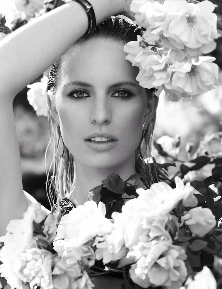 Karolina Kurkova by Miguel Reveriego (The Last Emperor - Vogue Spain July 2012) 3.jpeg