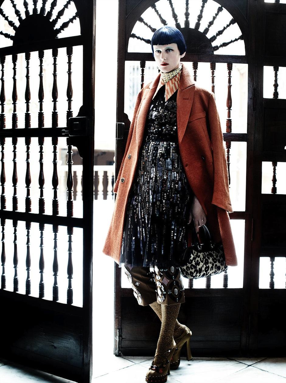 Stella Tennant by Mario Testino (El Dorado - US Vogue September 2012) 2.jpeg