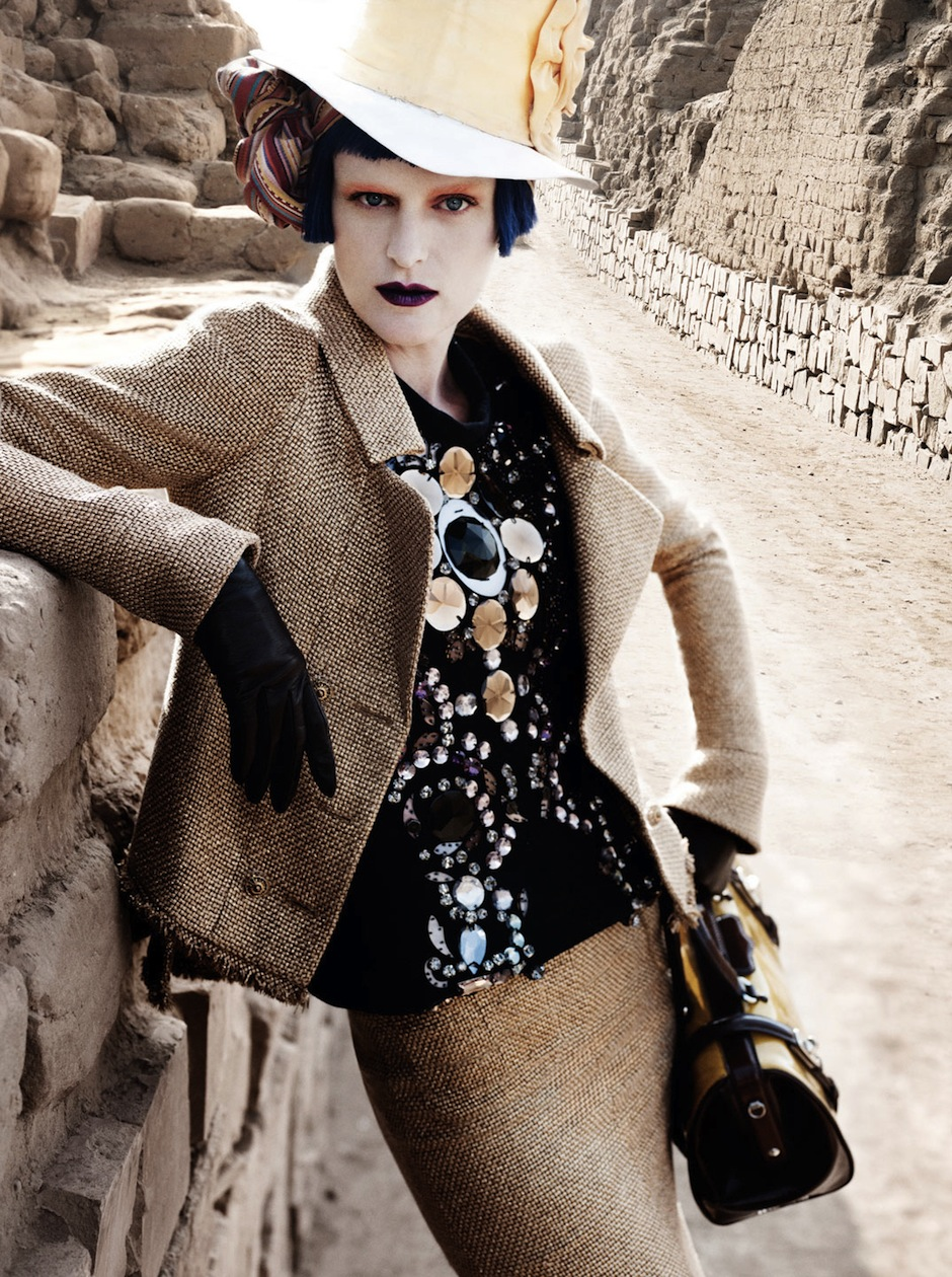 Stella Tennant by Mario Testino (El Dorado - US Vogue September 2012) 7.jpeg