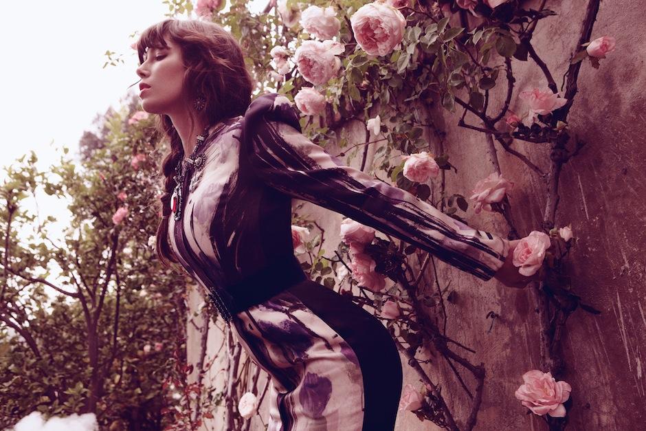 Jessica Biel by Dusan Reljin (Love In Bloom - US InStyle August 2012) 4.jpeg