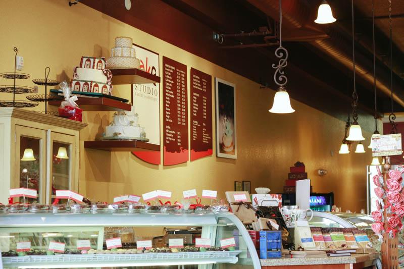 Alaska Cake Studio, Downtown Anchorage | Mallorie Owens