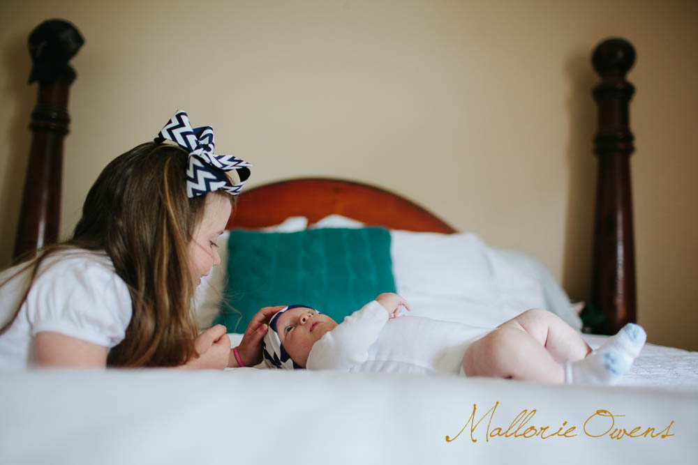 Lifestyle Newborn Photography | MALLORIE OWENS