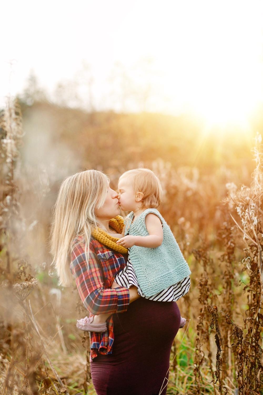 Alaska Maternity Photographer | MALLORIE OWENS