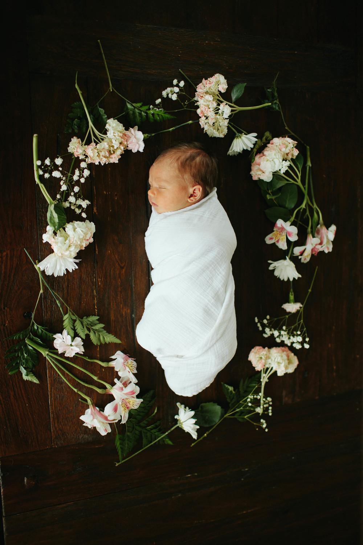 Overland Park Newborn Photographer | MALLORIE OWENS