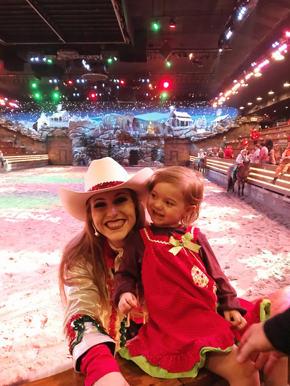 Dolly Parton's Stampede Christmas Show, Family Attractions in Pigeon Forge, TN