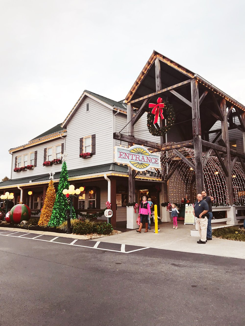 Pigeon Forge Events | Dolly Parton's Stampede Christmas Show