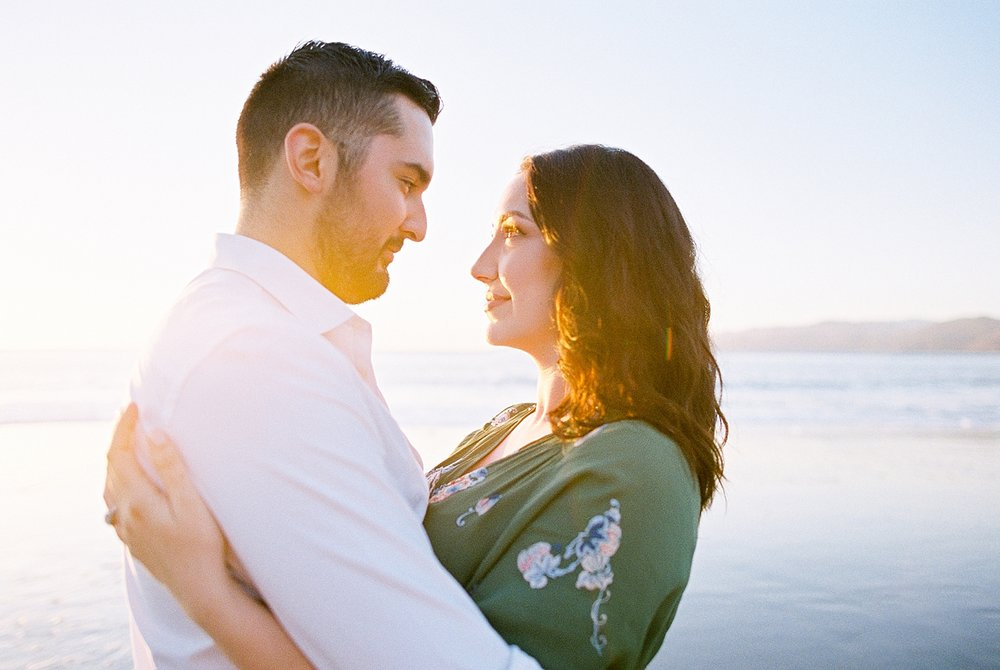 Sunset-Engagement-Photos.jpg