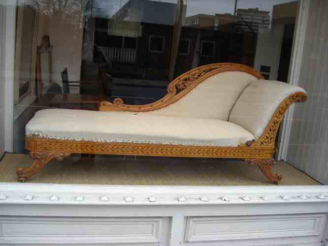 Appley Hoare Chaise