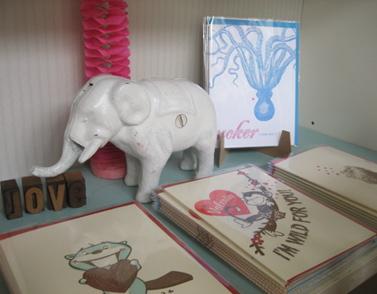 White elephant display