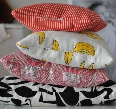 Mini ring pillows