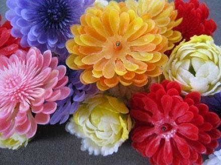 plastic-flowers.jpg