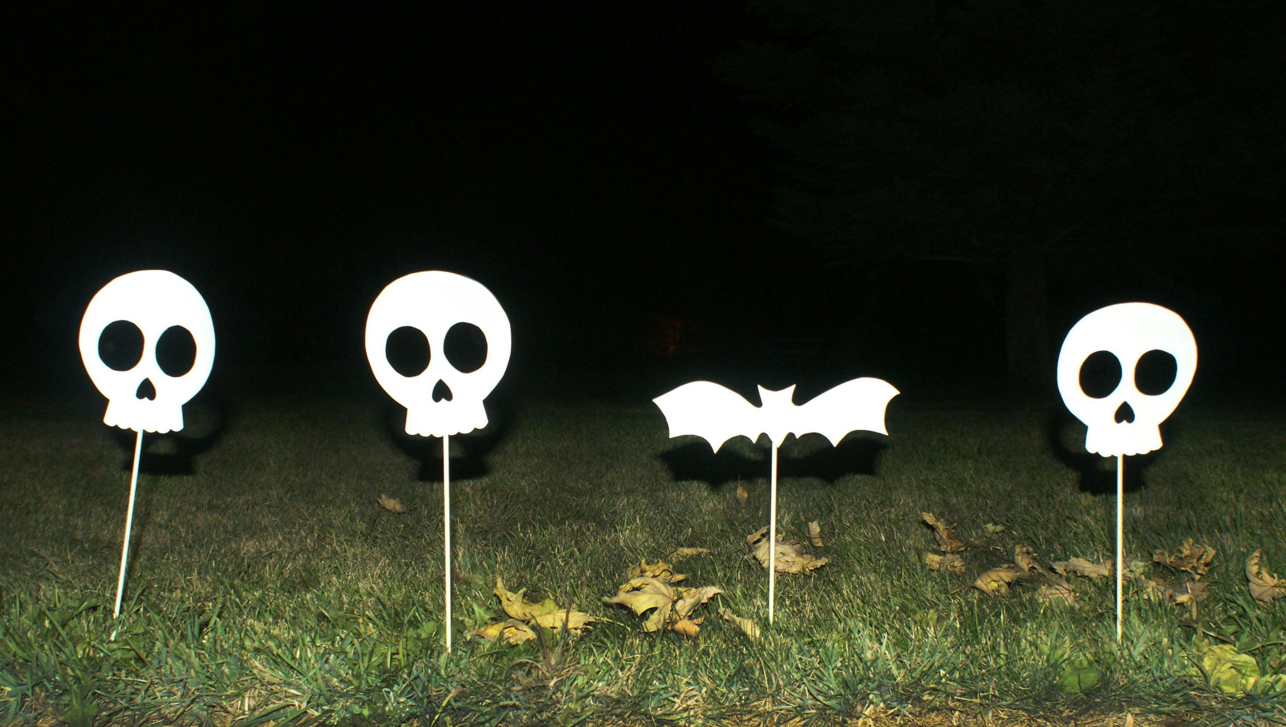 DIY Halloween Sidewalk Skulls Hello!Lucky