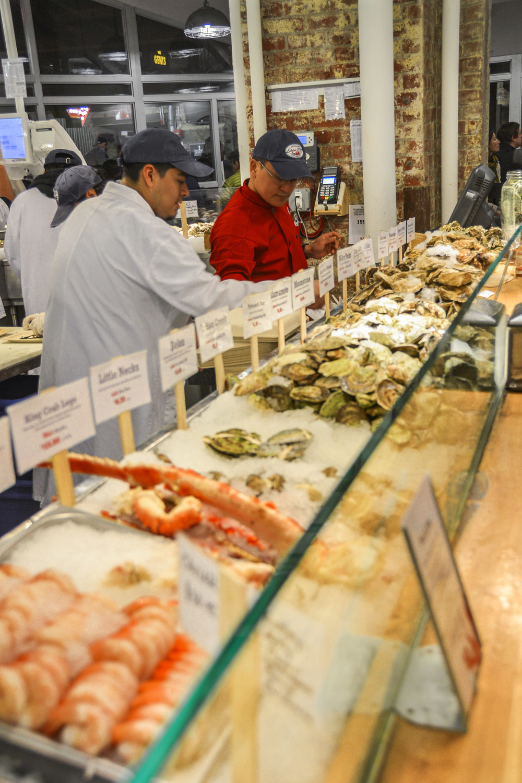 L e travel tips nyc 39 s chelsea market locally experienced for Cherry street fish market
