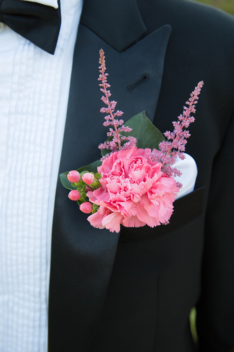 Grooms Pinhole from Fiddlesticks Floral Design.Suit by Montagio Custom tailoring.