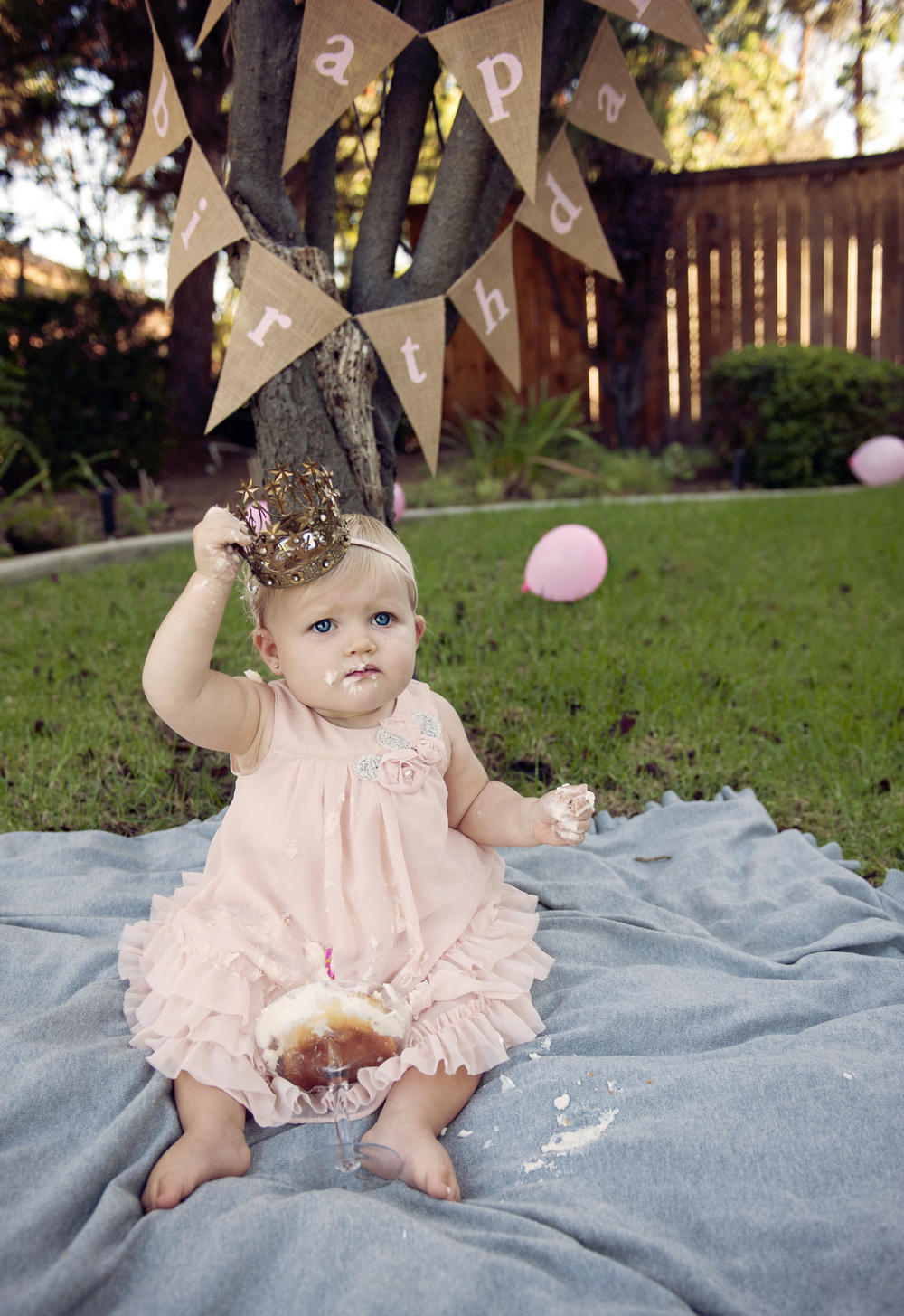 SanDiego-Kids-Portraits-Smash-the-cake-Birthday-Photography