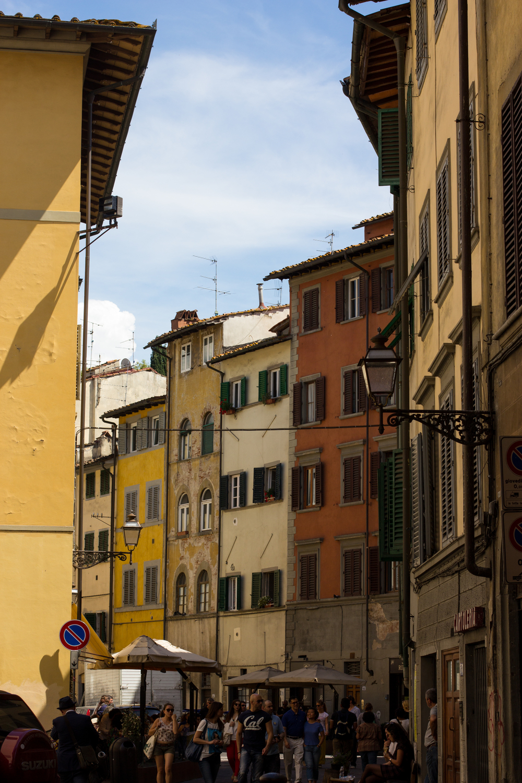 Cute, narrow, crowded Italian streets
