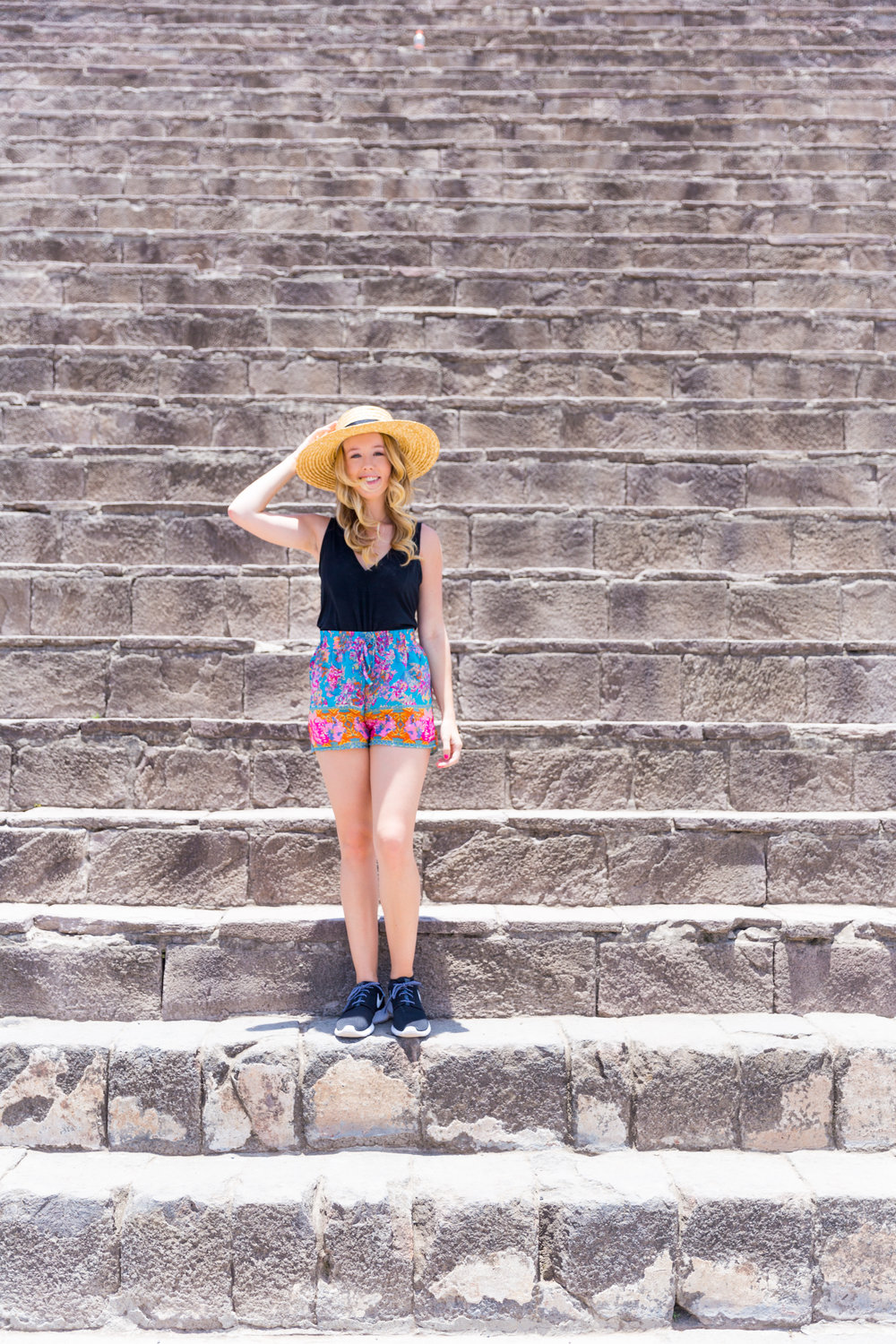 Mexico City Teotihuacan Pyramids Pattern Shorts Casual Summer Outfit.jpg