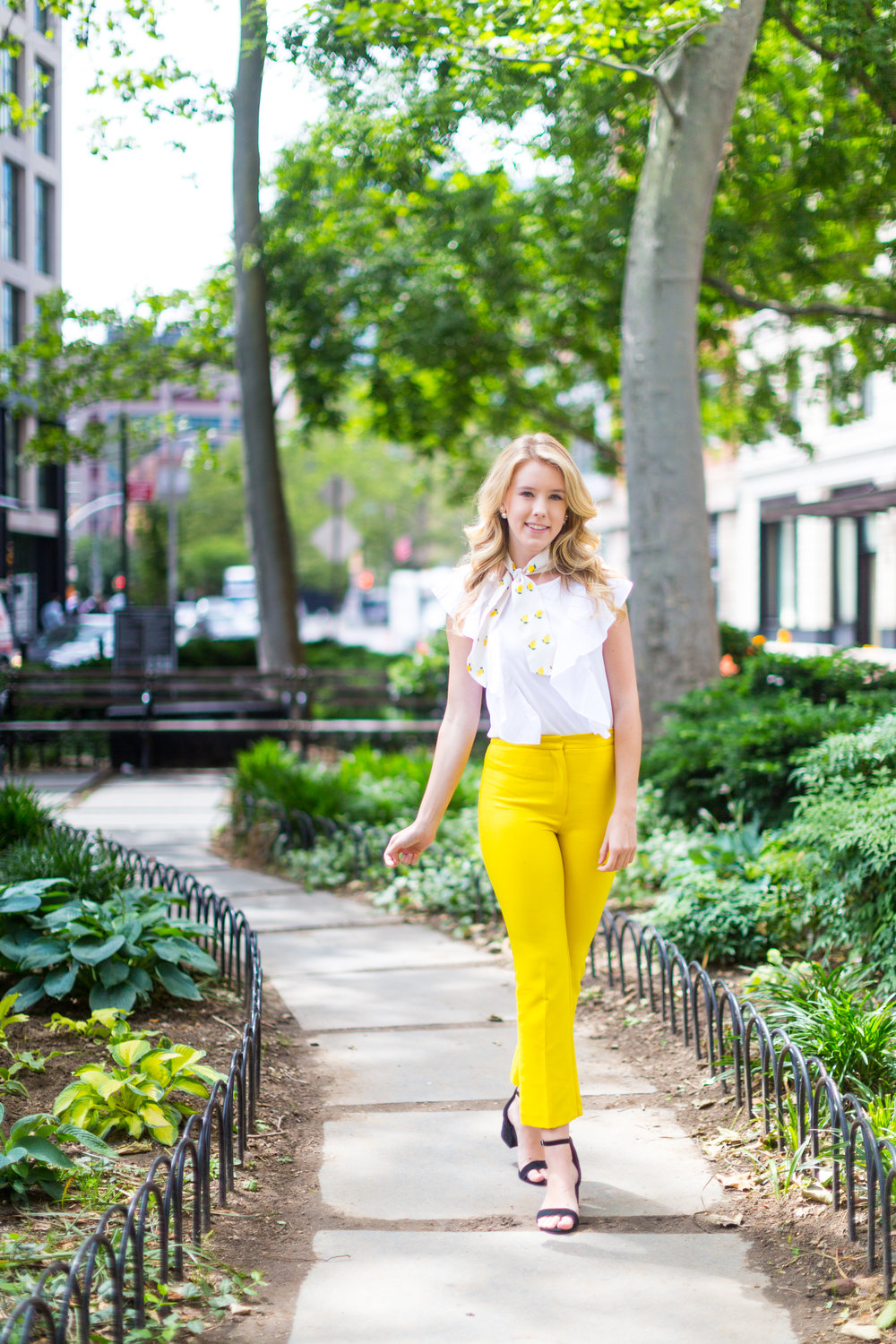 NYC Summer Yellow Lemon Print Outfit-11.jpg