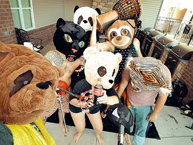 Had an awesome time playing Larrys birthday party yesterday!  Things got a little weird with @osiella!  #osiella #animalhead #weird #showday #birthday #party #pool #tourlife