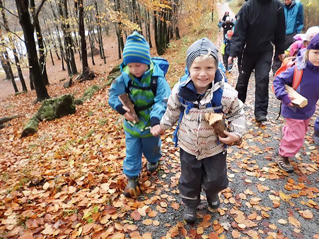 Vi er der for at du skal få en best mulig tid i barnehagen, og svarer på store og små spørsmål og skal veilede deg videre.