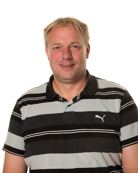 Nils Foss Mob: 450 07 444