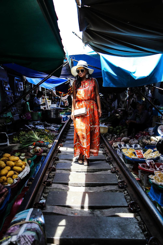 Vatinee al Railway Market di Bangkok