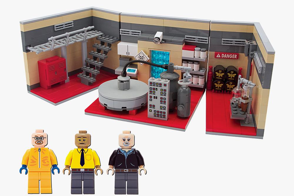 Breaking-Bad-LEGO-Superlab-Playset-003