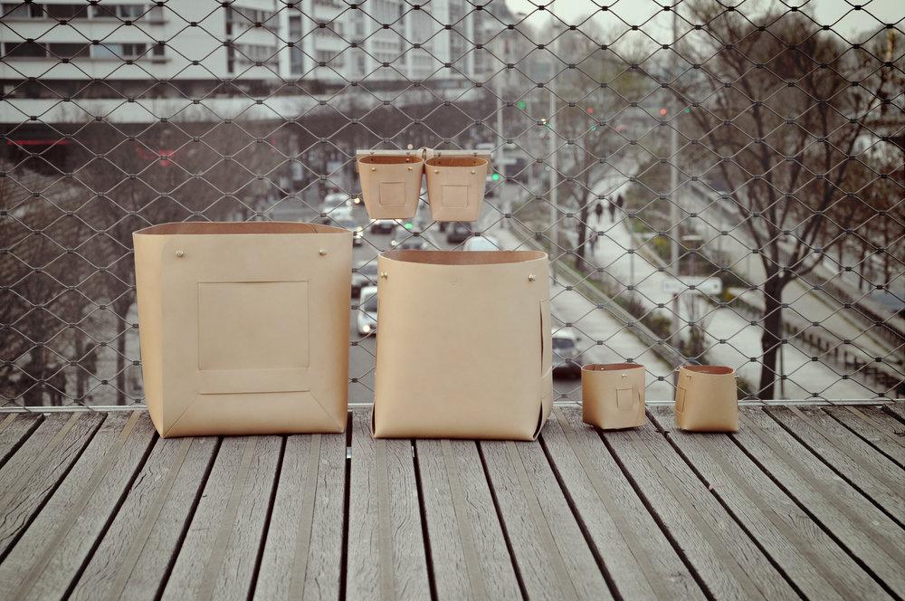 Corbeille xxl en cuir Arthur et corbeille en cuir Nicolas, collection automne-hiver 2015.