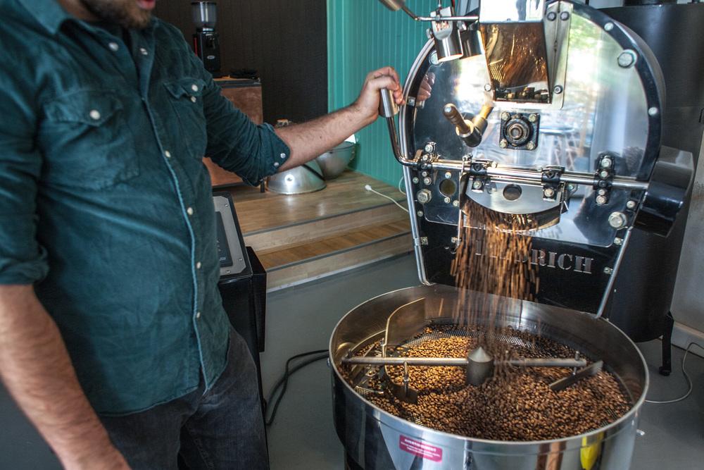 A ovako se prži kava u starom, dobrom, dragom nam bruklinskom Diedrichu!