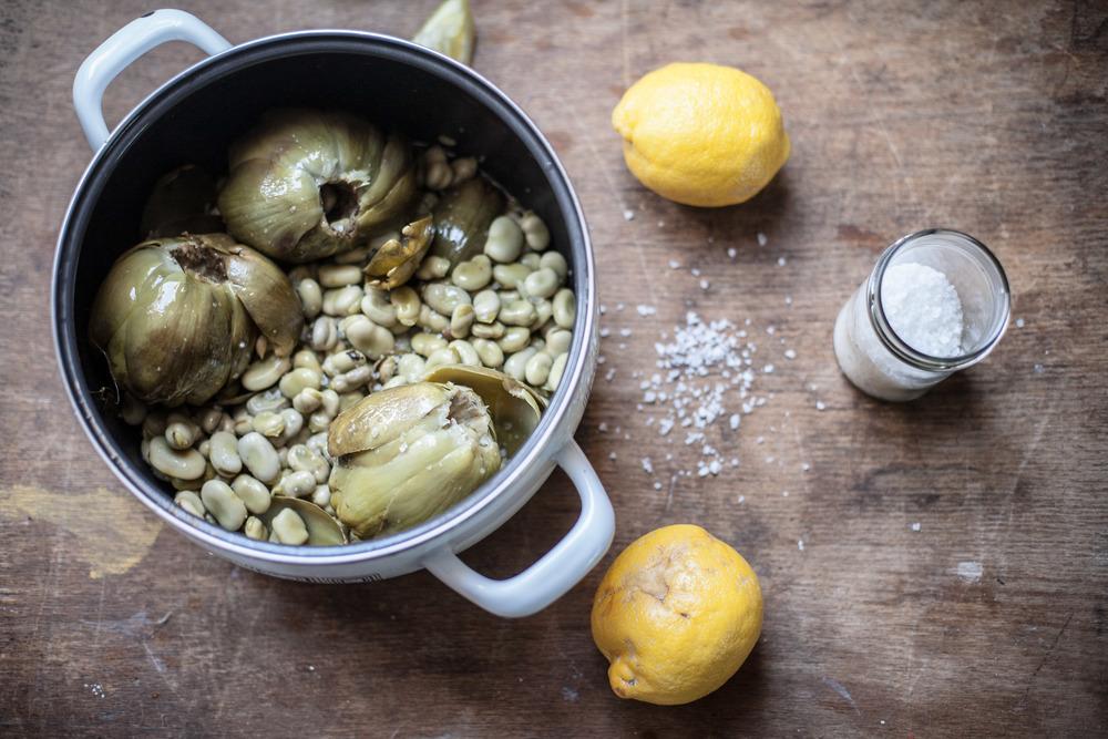 Poslužite s kriškom limuna, malo maslinovog ulja i zrnom cvijeta soli ;)