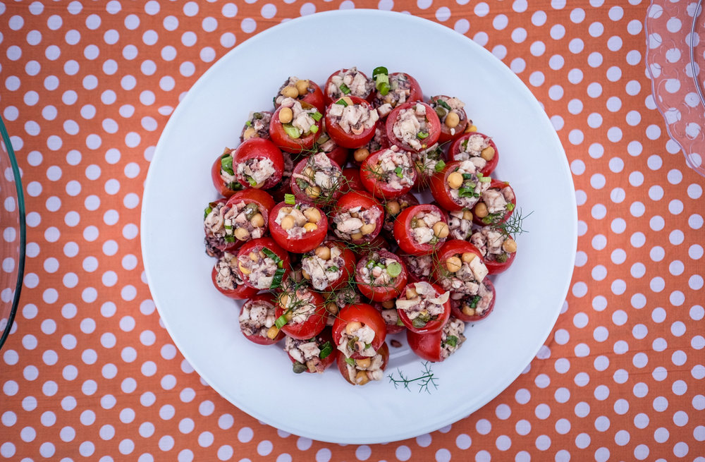 Salata od hobotnice i slanutka u mini rajčicama. Hoba Boba! / Octopuss Salad with chikpeas in cherry tomatoes. Hoba Boba!
