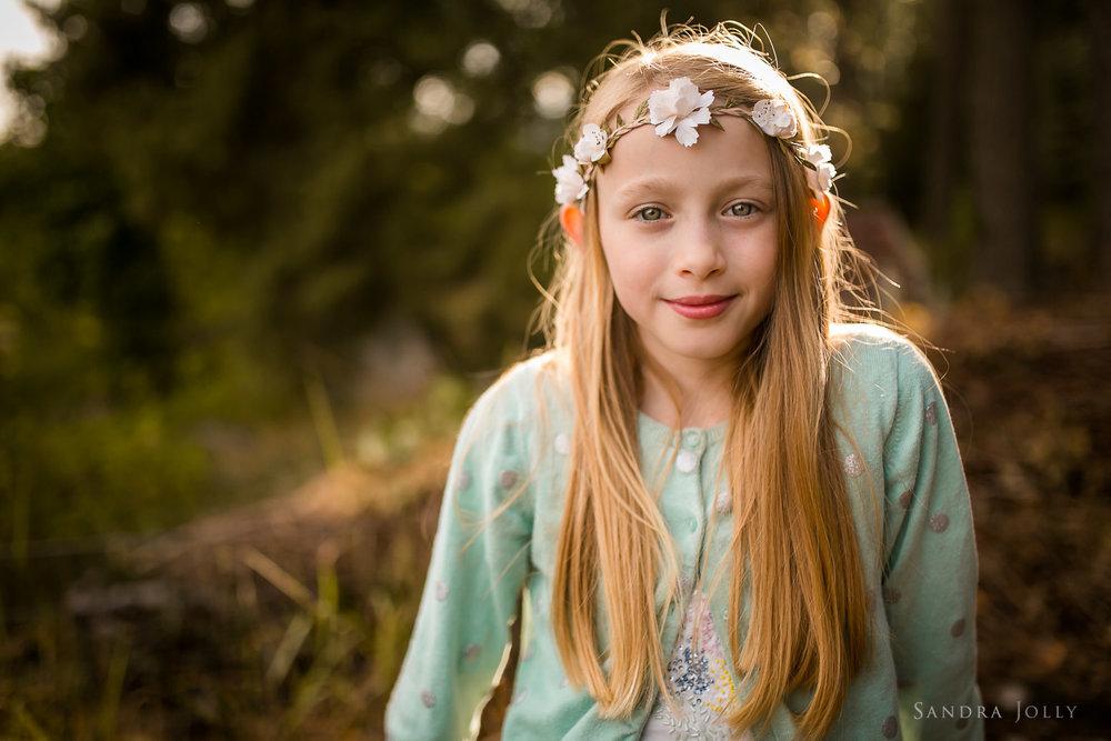 A-midsummer-girl-by-Stockholm-barnfotograf-Sandra-Jolly.jpg
