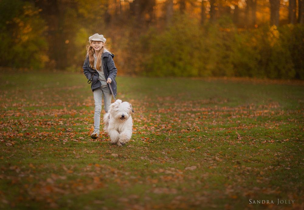 Portrait-of-girl-and-dog-by-bra-familjefotograf-sandra-jolly.jpg