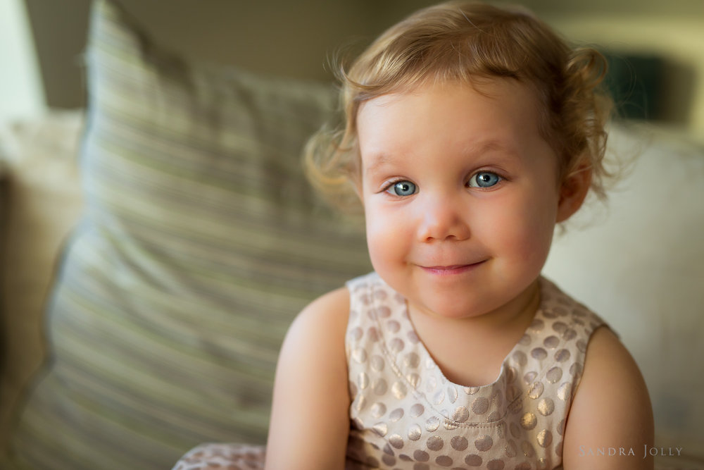 close-up-of-little-girl-by-best-family-photographer-sandra-jolly.jpg
