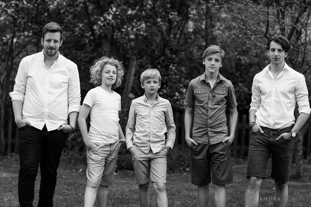 cool-boys-by-Danderyd-barnfotograf-Sandra-Jolly.jpg