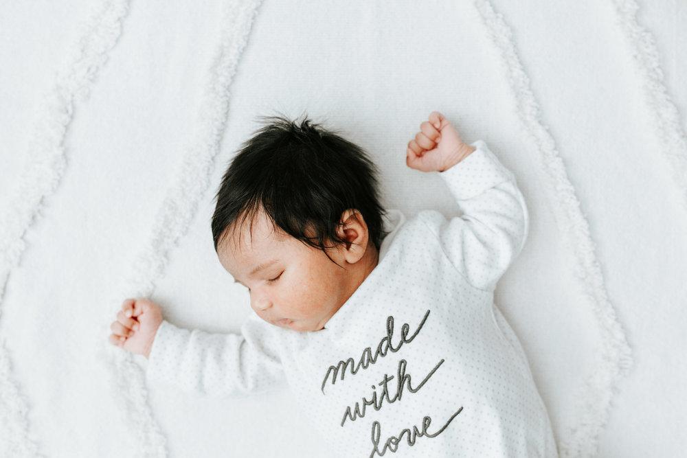 Charlotte-Newborn-Photographer-1.jpg