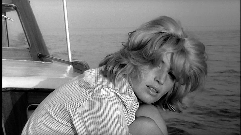 Monica Vitti - L'Avventura at sea....jpg
