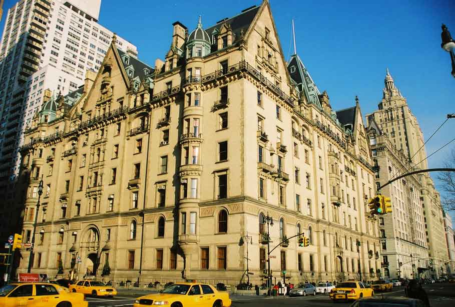 The exteriors of the Dakota were used in the film