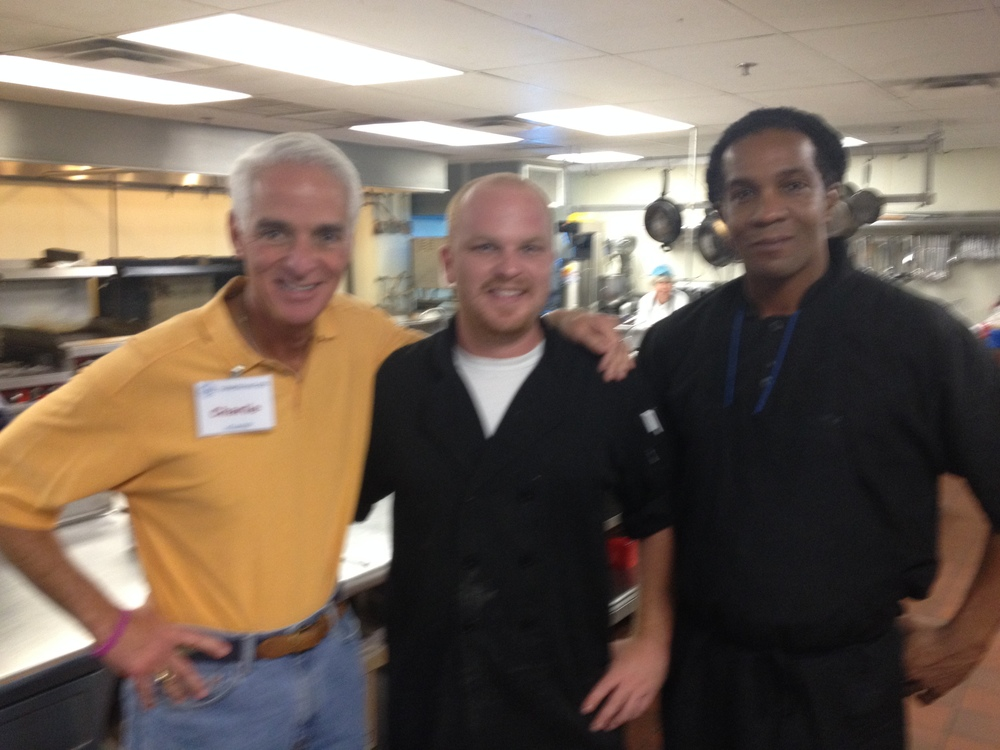 Charlie Crist Visited St. Vincent De Paul Soup Kitchen, Thanksgiving 2013.