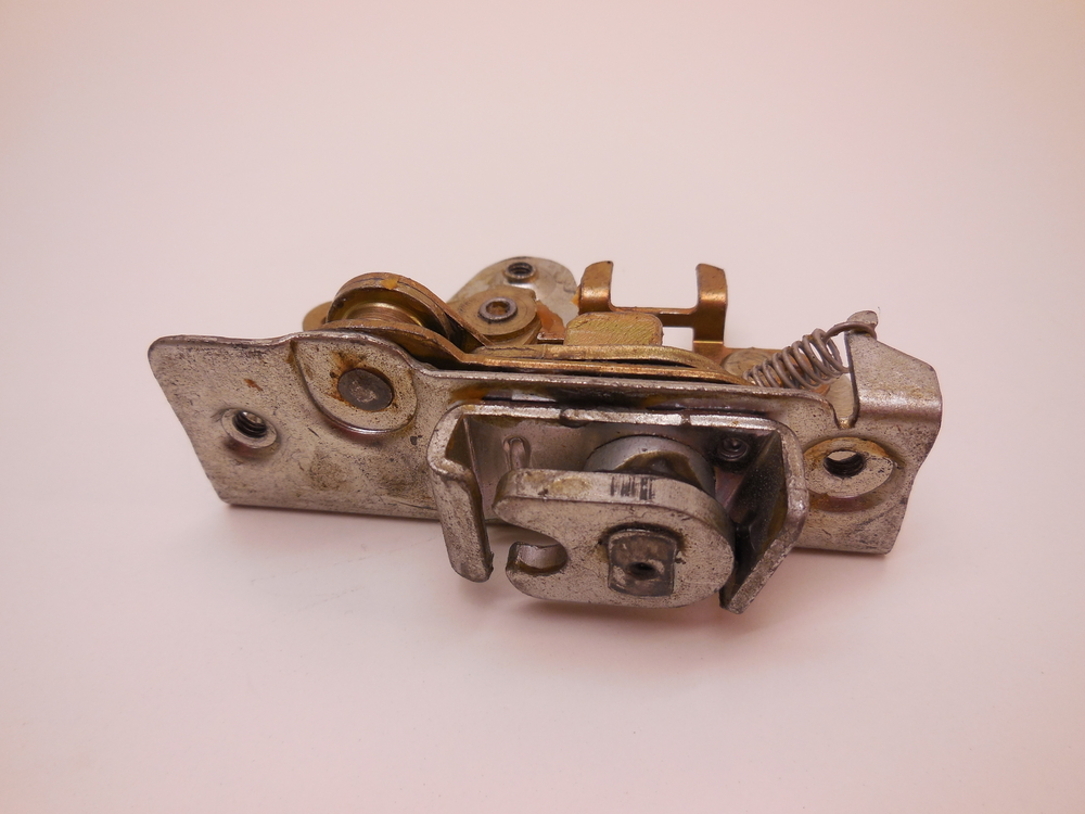 Door Lock Assy Häggo Nr: 453 6221-802 price: 445 Sek