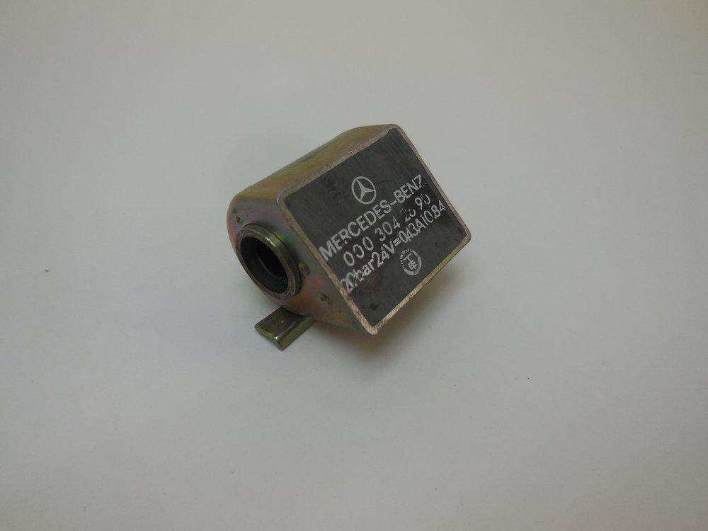 solenoid MB NR: 000 304 26 90 Price: 700 Sek