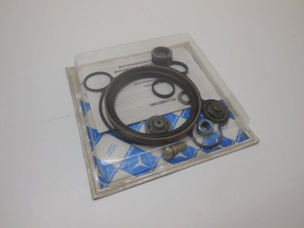 Vacuum pump repair kit Mb nr:  000 586 17 23 Price: 800 Sek
