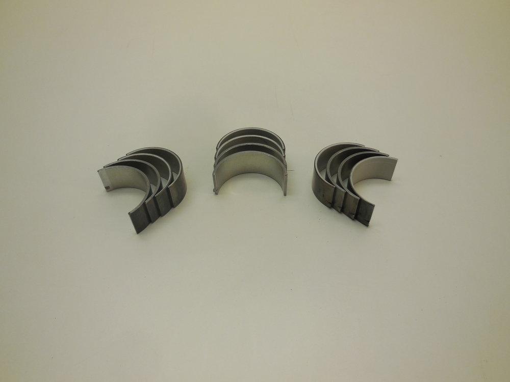 Crankshaft bearings Mb nr:  603 030 22 60 price: 900 Sek Sek
