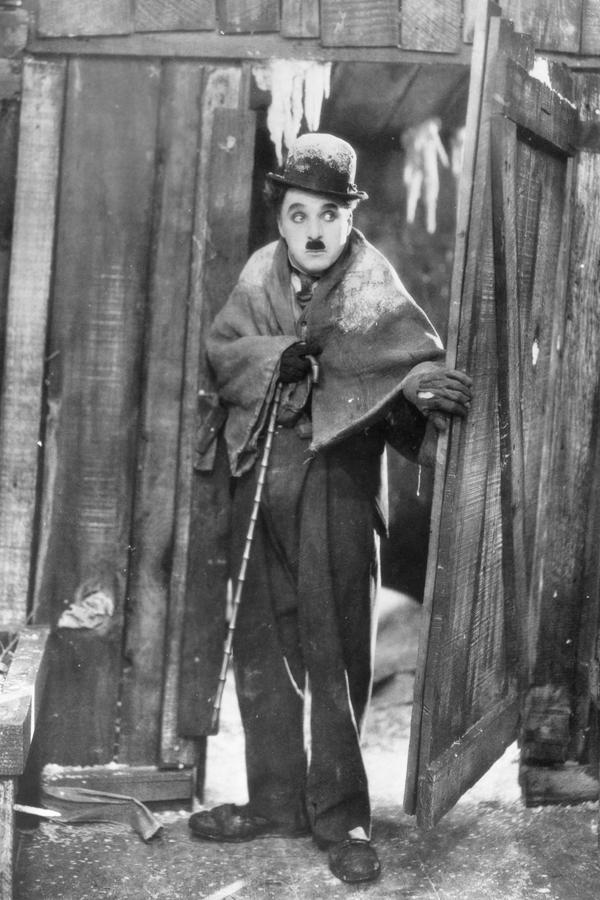 Soirée Charlie Chaplin. 4 programmes, 4 pianistes.