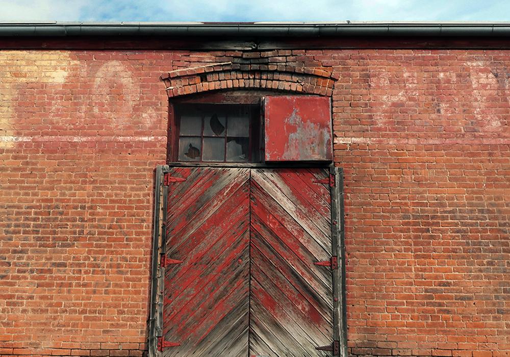 red door sm_2241.jpg