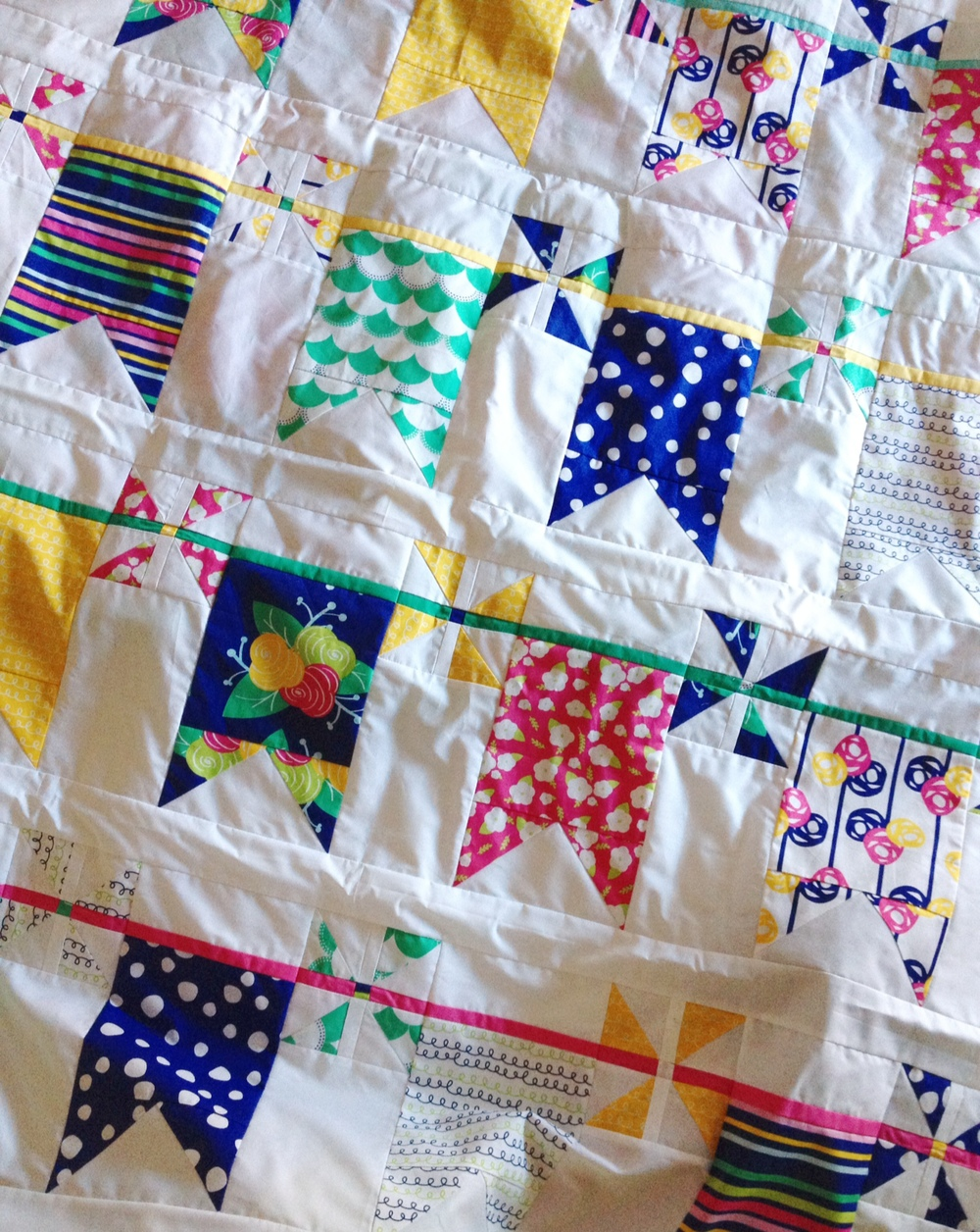 pennants-pinwheels-gleefulfabrics-quilt