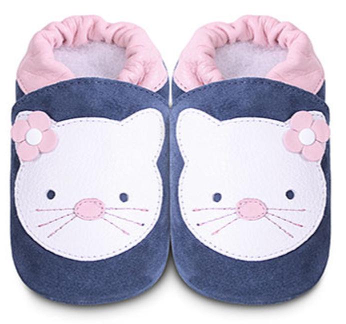 Shooshoos-white-kitty.png