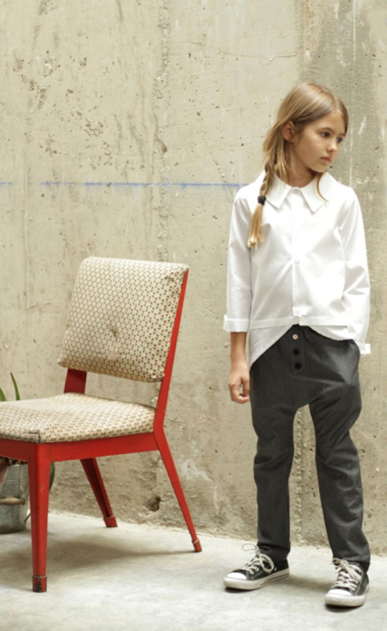 MOTORETA-girl-pants.png
