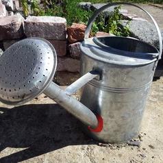 Sugru-fix leakign water can.jpg