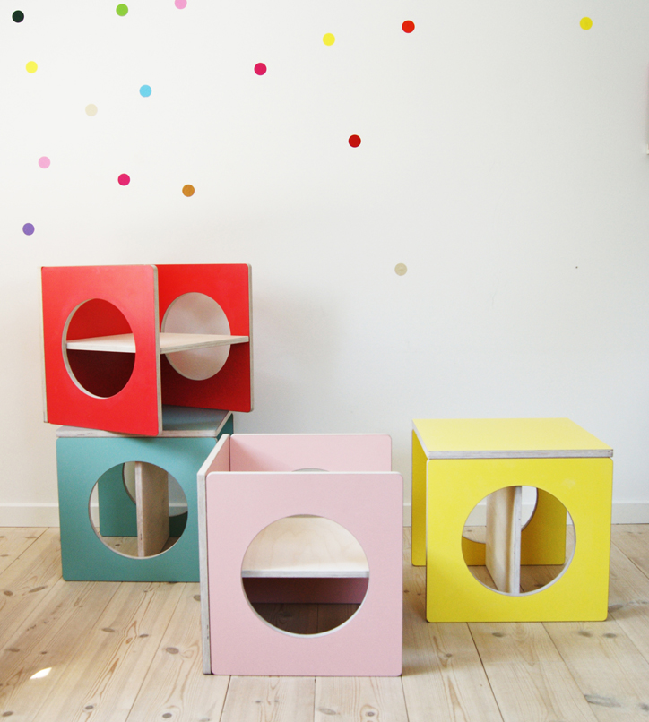 Small-design-danish-childrens-furniture-cubes-tower.jpg